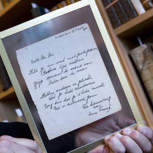 Anne fRank skrev dikten den 28 mars 1942 i en minnesbok.