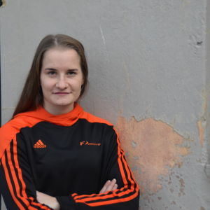 Porträttbild på Sara Oraheimo.