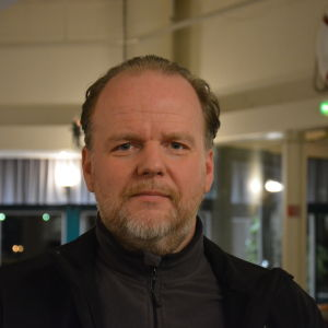 Profilbild på Samlingspartiets Kim Lindstedt.
