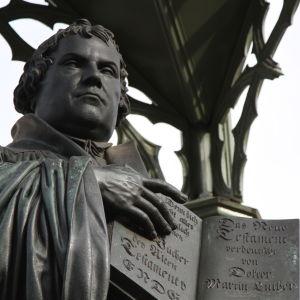 Martti Lutherin patsas
