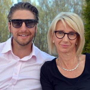 Oscar Osala och mamma Pia Fant.