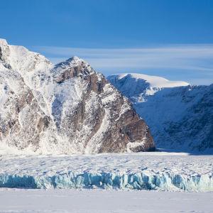 Jäätikkö Huippuvuorilla.