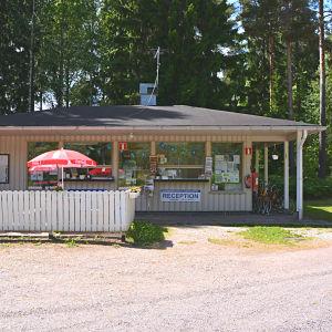 Receptionen vid campingplatsen i Kokon i Borgå