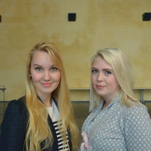 Ellen Kackur och Nathalie Wingren studerar utvecklingspsykologi på ÅA i Vasa.