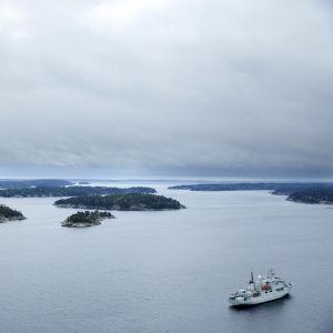 HMS Kullen på spaningspådrag i den svenska skärgården.