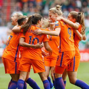 Holländska spelare firar