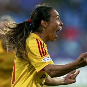 Marta tvåmålsskytt i Champions League-finalen 2014.