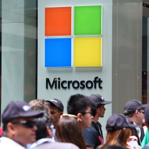 Kö utanför Microsofts affär i Sydney i Australien den 12 november 2015.