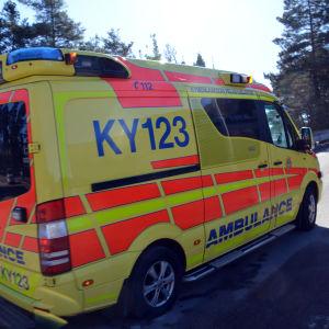 Ambulans från Kymmenedalens räddningsverk