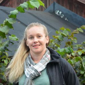 Porträttbild på Lotta Friberg.