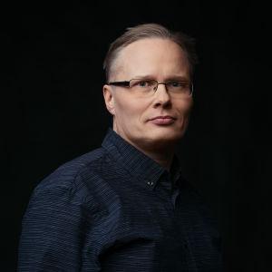 Profiilikuva MOT:n toimittajasta Lauri Miettisestä.