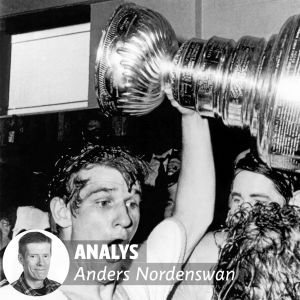 Bobby Orr från Boston Bruins firara Stanley Cup-segern 1970.