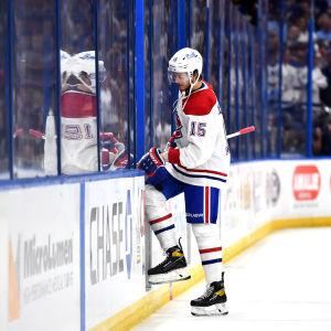Jesperi Kotkaniemi joutuu jäähyaitioon NHL:n finaalisarjassa