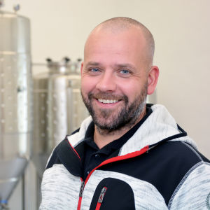 Dave Huldin i sitt bryggeri i Ekenäs.