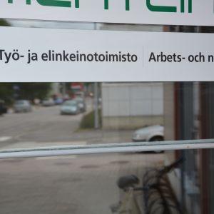 Arbets- och näringsbyrån i Karis.