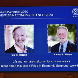 Paul Milgrom och Robert B. Wilson på bild när ekonomipriset till minnet av Alfred Nobel 2020 offentliggjordes.