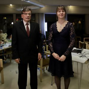 Kyläyhdistyksen Juhani Soini ja Tuija Kallio.