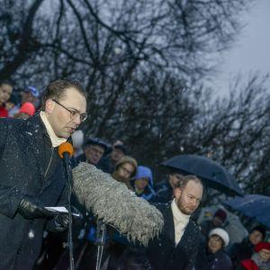 Försvarsutskottets ordförande Jussi Niinistö höll tal vid självständighetsfestligheterna vid Observatorieberget i Helsingfors den 6 december 2014.