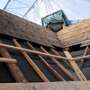 Kvevlax kyrkas tak restaureras