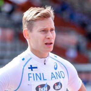 Oskari Mörö inför ett lopp i Vasa.