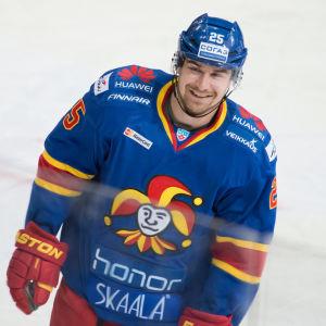 Pekka Jormakka ler.