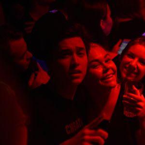 Publik på Börs Nightclub i Åbo, Panetoz uppträder
