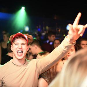 Taggad kille i publiken, Glöggrundan Börs nightclub 2017