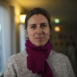 kvinna med scarf