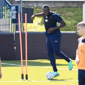 Usain Bolt tränar med Strömsgodset.