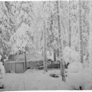 10.1.1940 12.Dn pääsidontapaikka (ensopahviteltta) Syskyjärvellä.