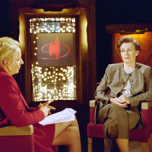 Tellervo Koivisto Maarit Tastulan vieraana Punainen lanka -ohjelmassa 1999.