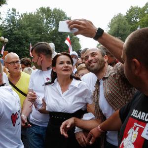 Svjatlana Tsihanouskaja kampanjatilaisuudessaan Baranovichissa 2. elokuuta 2020.