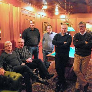 Nya och galma Dansdaxmedlemmar. Från vänster: Gösta Hjerpe, Max Åkersten, Mikael Österberg, Yngve Lithén, Gerhard Loo, Per-Anders Lindell