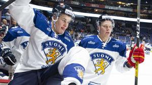 Jesse Puljujärvi och Harri Pesonen.