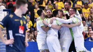 Slovenien firar efter seger mot Sverige.