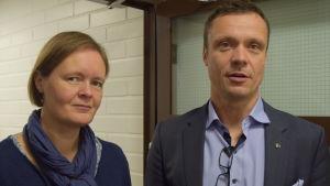 Ekonomichef Charlotta Lindvall och kommundirektör Robert Nyman