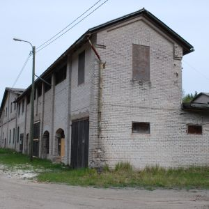 Den gamla tegelfabriksbyggnaden i Tvärmiine i Hangö.