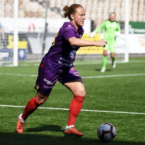 Åland Uniteds Anna Westerlund mötte HJK i Helsingfors.
