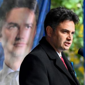 49-årige Péter Márki-Zay, konservativ borgmästare för staden Hódmezővásárhely i södra Ungern. Den här bilden togs under ett kampanjmöte i huvudstaden Budapest den 10 oktober.