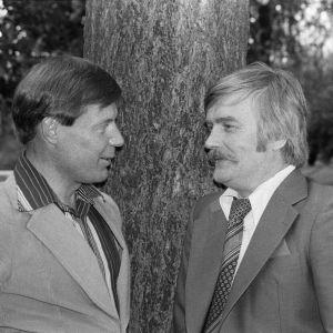 Hyvä Suomi -ohjelmasarjan juontajat Heikki Kahila ja Aarre Elo vuonna 1978.