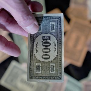Monopoliraha, talousrikokset