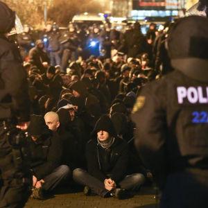 Över 200 högerextremister greps i Leipzig den 11 januari 2916.
