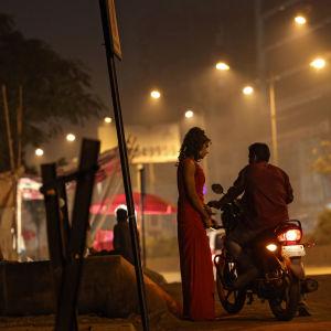 Sexköp på gata i Mumbai i Indien.