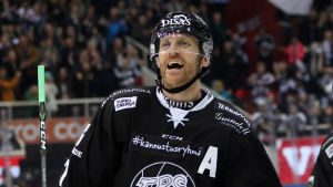 Henrik Tallinder firar mål, TPS-HIFK våren 2017.