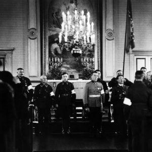 Skyddskåren svär sin ed på självständighetsdagen 1937.