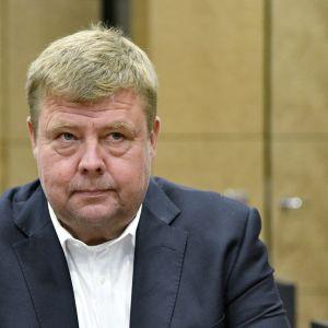 Pekka Perä på rättegång i hovrätten 2018.