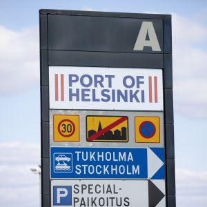 Helsingin sataman kyltti