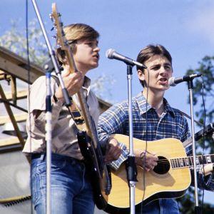 Vanha isäntä -yhtye esiintyy Ruisrockissa 1976.