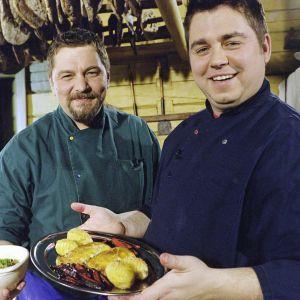 Timo Nykyri ja Janne Pekkala ohjelmassa Juhlamakupalat (2003)