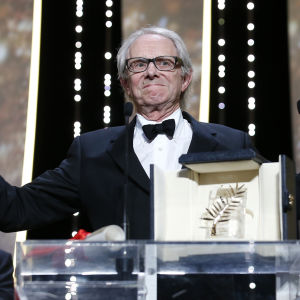 Regissören Ken Loach vinner Guldpalmen vid filmfestivalen i Cannes.